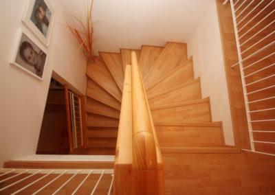 12 schody