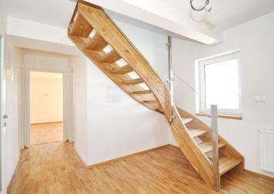 byt 03 schody