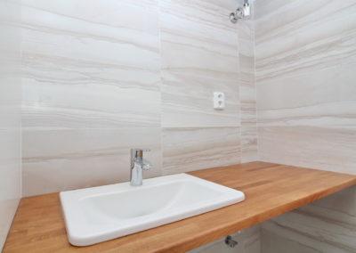 140 umyvadlo WC