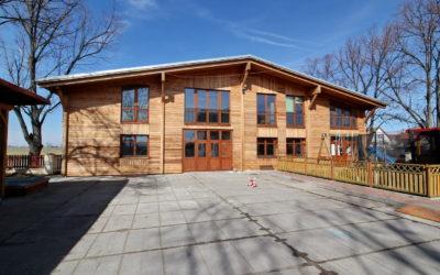 Prodej výrobní haly, prostoru 830 m², Bříství, okres Nymburk