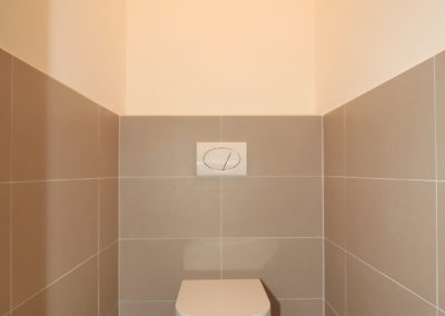 4 130 WC